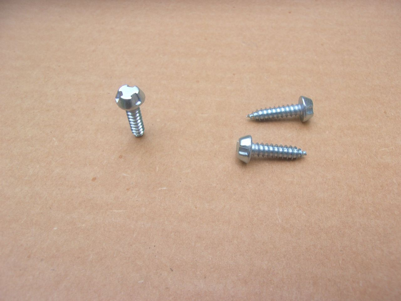 FLIP FUEL CAP SECURITY SCREWS 67-69 BARRACUDA, 68-70 CHARGER